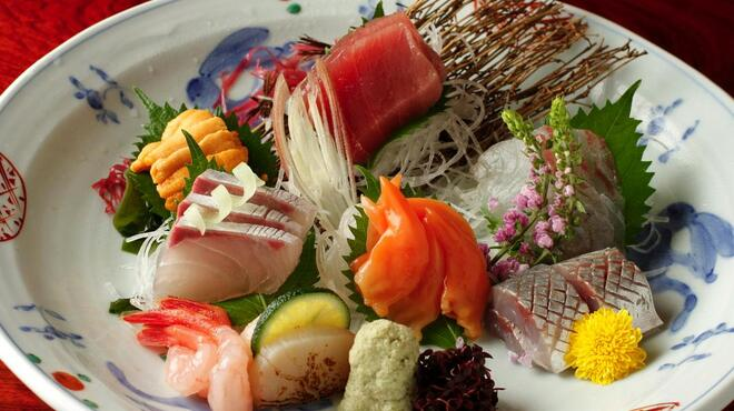 神田 味喜庵 - 料理写真:お造り盛り合わせ一例