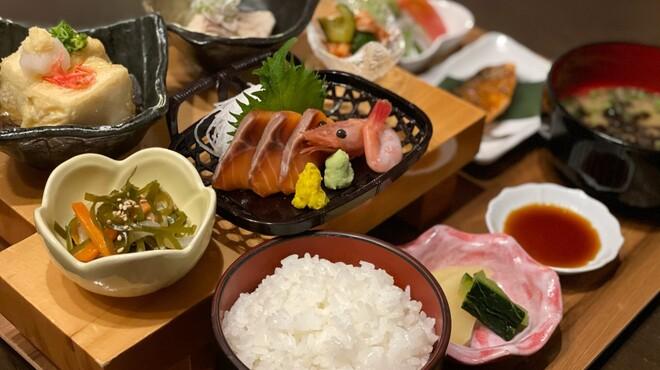 鮮魚・創作ダイニング ほいど家 - メイン写真: