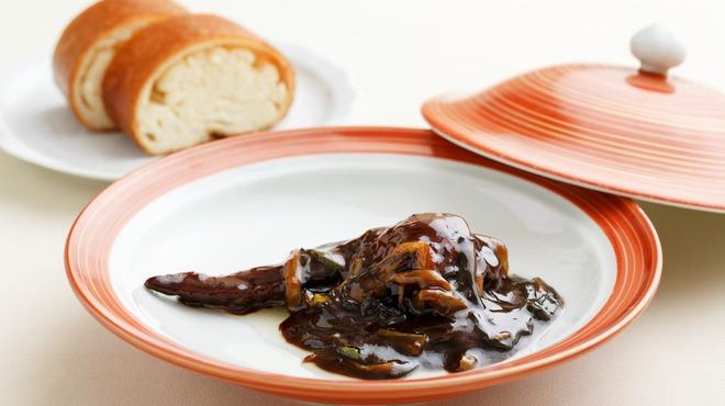 メゾン・ド・ユーロン - 料理写真:遊龍特製 手羽先のフカヒレ詰めたまり醤油煮込み