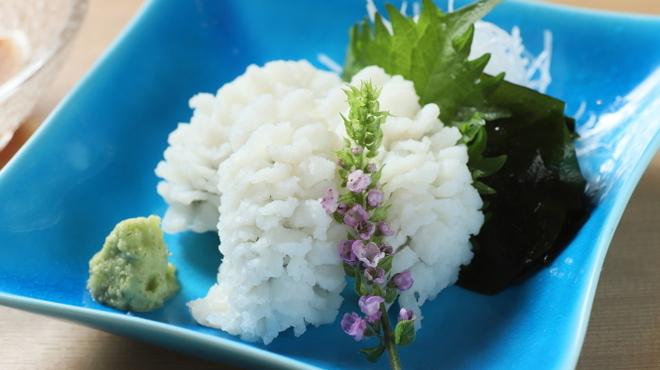 京都鴨そば専門店 浹 - 料理写真:鱧の湯引き