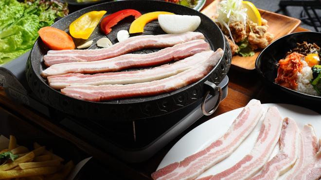 サムギョプサル食べ放題 韓国屋台食堂 ミートポチャ - メイン写真:
