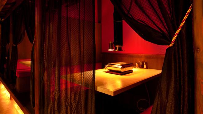 極(KIWA) はなれ - 内観写真:完全個室×11部屋で  プライベート感あふれる店内
