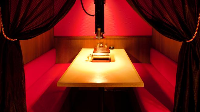 極(KIWA) はなれ - 内観写真:個室風のお部屋は女子会にもオススメ。