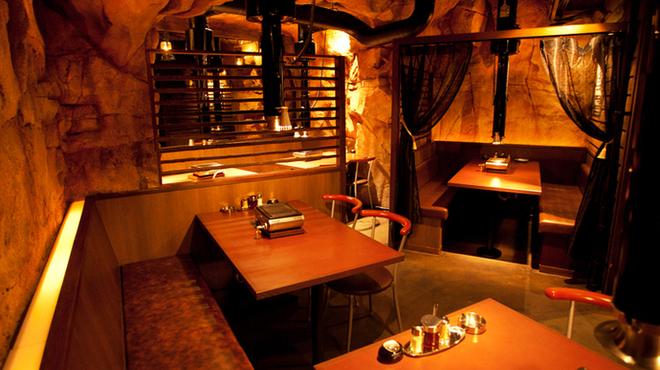 極(KIWA) はなれ - 内観写真:洞窟をイメージした  雰囲気抜群の店内【個室も有】