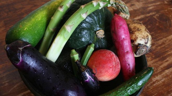 フクサコ - 料理写真:甘い無農薬・自然栽培野菜たち。皮目に栄養が詰まっているから、可能な限り皮もヘタも丸ごと調理。