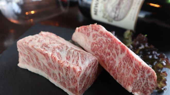 鉄板肉バルどんと - 料理写真: