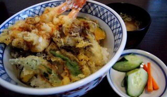 吉敷 末広 - 料理写真:さっくさくの天丼、蕎麦とのセットは平日ランチ1000円です