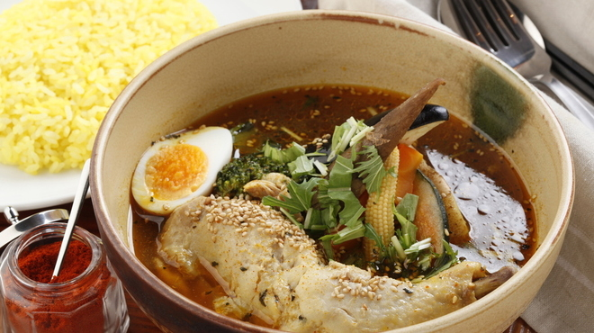 イエロースパイス - 料理写真:スープの黄色 骨付きチキン スタンダード!!