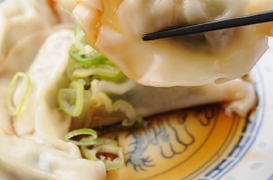 劉家荘 - 料理写真:水餃子(6個)