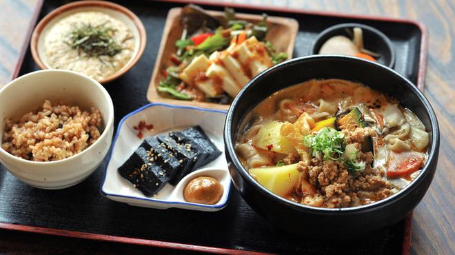 手打ちほうとうと発幸料理のお店 元祖へっころ谷 - メイン写真: