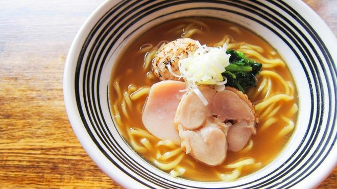 麺屋すみす - 料理写真:鶏丸醤油らーめん \700