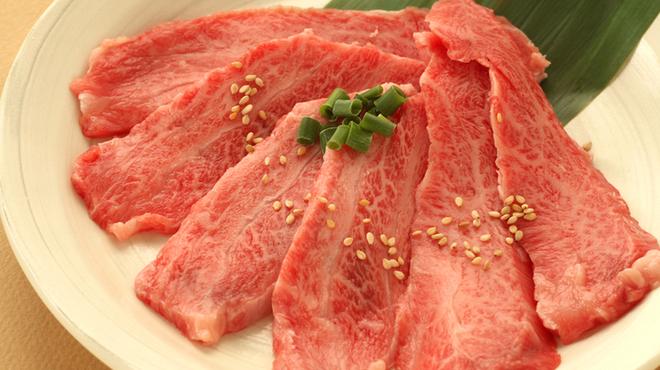 食彩和牛しげ吉 - 料理写真:和牛メス牛カルビ この品質で840円!