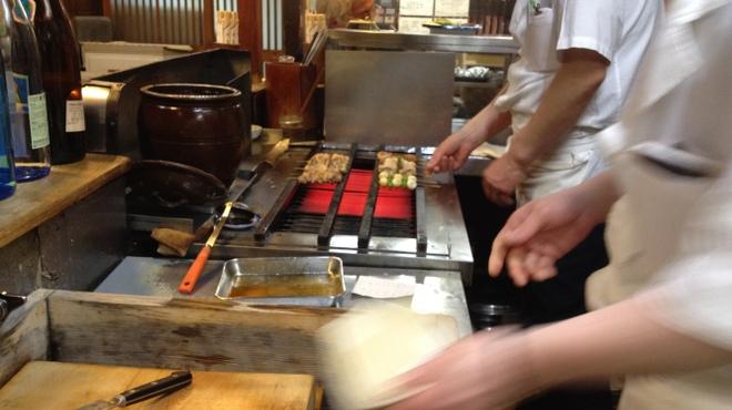 とり安 - 内観写真:TBS系「厨房ですよ!」 きじ焼重編で紹介された厨房。