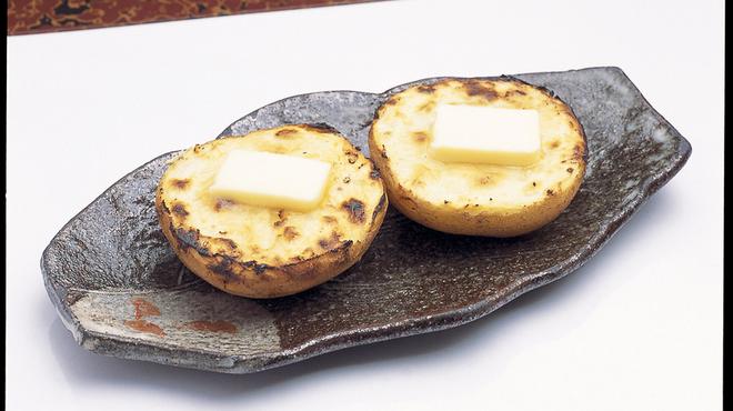 魚屋直営魚勢 - 料理写真:じゃが芋バター 380円
