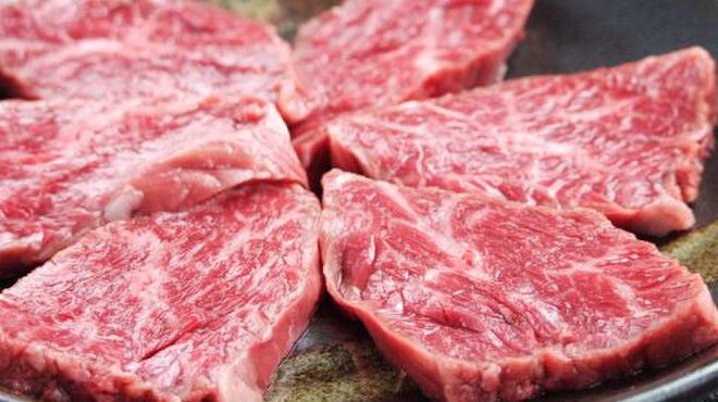 ミスターホルモン - 料理写真:【赤身】当店のロースは和牛のトモサンカクという希少部位を使用。低価格で味わえるのが当店の自慢です!!