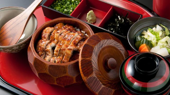 藍の家亭 - 料理写真:《ひつまぶし 2900円》