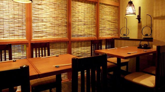 藍の家亭 - 内観写真:テーブル席もございます