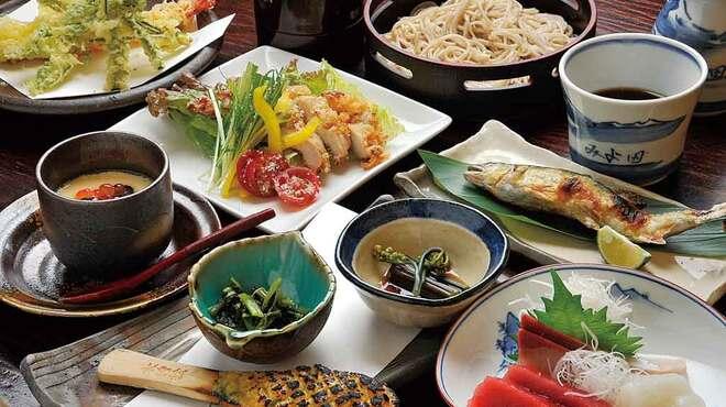 みよ田 - 料理写真:冷たい蕎麦付きの宴会料理2,800円コースの一例です