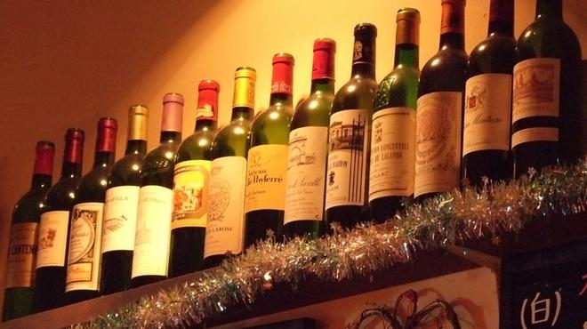 彩華 - 内観写真:当店珠玉のワイン達 お好みの一本を見つけてください