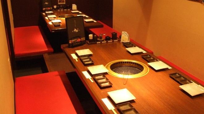 薩摩丹田 - 内観写真:お座敷席なら最大21名までの宴会が可能です。