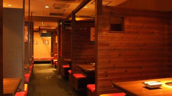 薩摩丹田 - 内観写真:全席半個室タイプです。