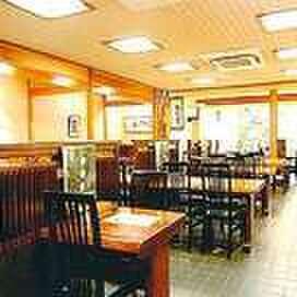 萩の茶屋 - 内観写真:【座席】 テーブル席、お座敷席、囲炉裏のお席、各種ございます
