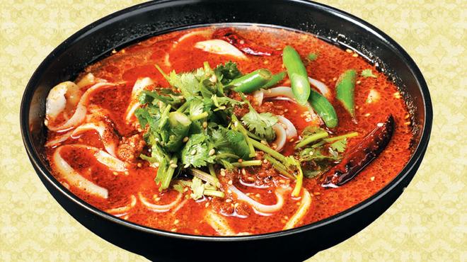 刀削麺 西安飯荘 - 料理写真:辛いスープのマーラー刀削麺