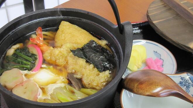 夢乃風 - 料理写真:冬の新メニュー登場! なんと、南部鉄器でお出しする贅沢な「鍋やきうどん」です。