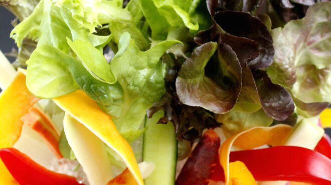 ラ・ベファーナ - 料理写真:店内の野菜工場で採れた野菜や契約農家の野菜を使った料理が食べられます♪