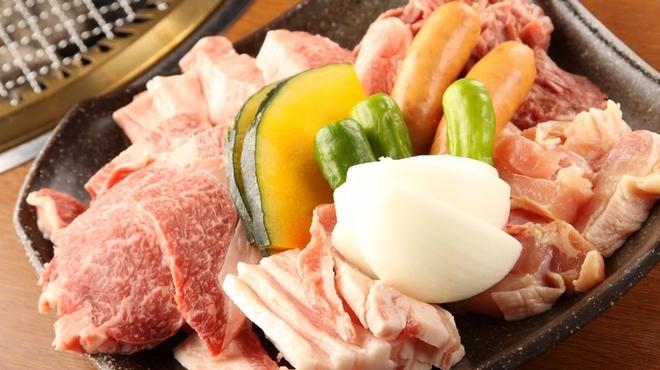 焼肉 炙 - 料理写真:ご家族でご利用されるお客様にオススメ!家族盛!