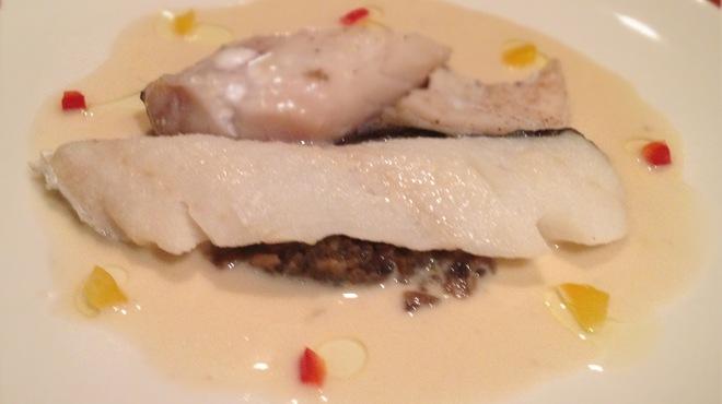 アペリティフ - 料理写真:白身魚のヴァプール、ヴァンブランソース。シャンピニオンデュクセルと共に。