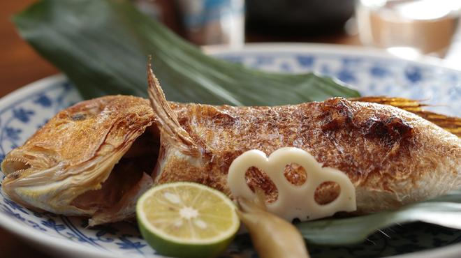味工房 まつしま - 料理写真:香ばしい香りが口の中に広がる『小伊津甘鯛の佐香塩焼』