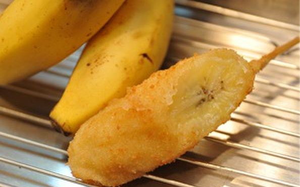 串かつ合格や - 料理写真:バナナ串 こちらもデザート串の「バナナ」も揚げる事によって、中がトローっとして甘さが引き立ちます。