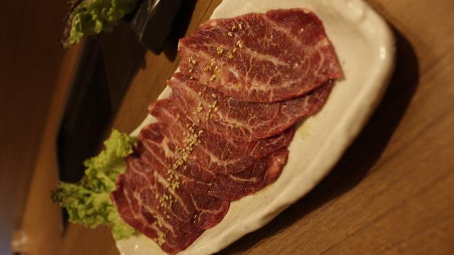 焼肉 絆 - 料理写真:当店名物!黒毛和牛特撰ツラミ 980円
