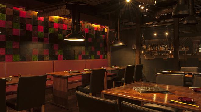 桜屋 - 内観写真:和の趣あふれるモダンな店内