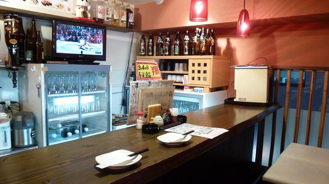 ぼろもち家 - 料理写真:カウンターで美味しい魚貝を肴に一杯♪