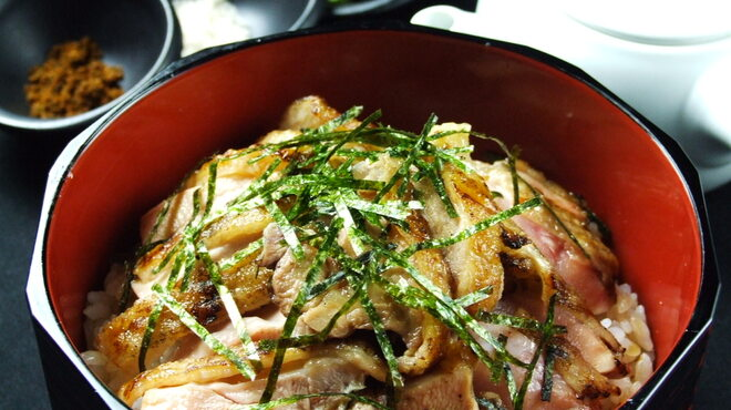 とりっぱ - 料理写真:名古屋コーチンを贅沢に使った料理の数々はどれも大人気です♪