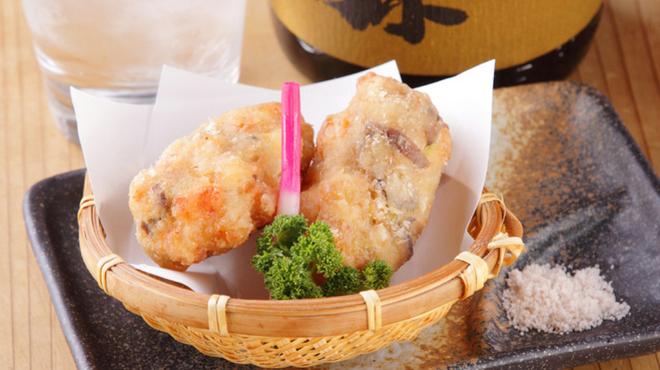 無名塾 - 料理写真:おいしさがギュッとつまった『海老しんじょう揚げ』