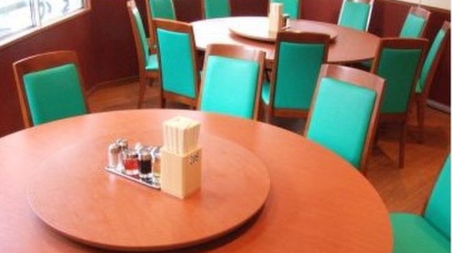 春香園 - 内観写真:大人数で色々な料理を取り分けながら楽しむ中華は、やっぱり円卓で!最大20名様OKの個室です。