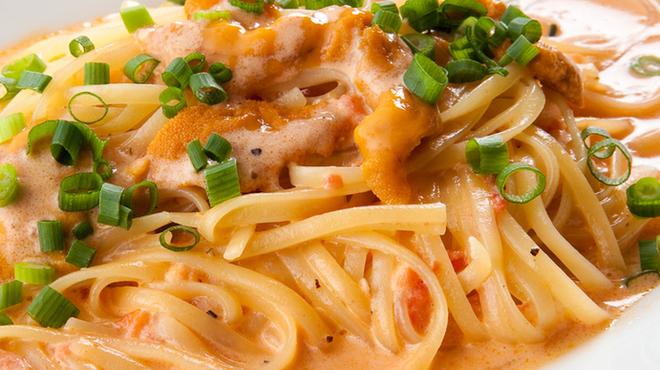 ピッツェリア ピッキ - 料理写真:仕上げに沢山のウニを溶かし込んだトマトクリームパスタ。1400円