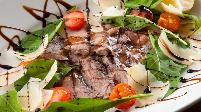 ピッツェリア ピッキ - 料理写真:タリアータ・ディ・マンゾ2500円(食べよくカットしたイタリア版ステーキ)