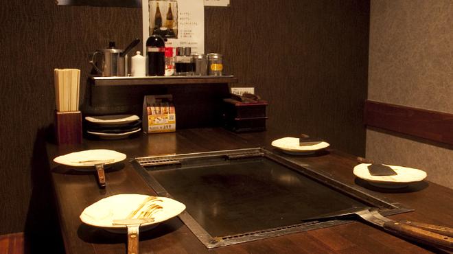 もじ焼や - 内観写真:2階 落ち着いた空気の半個室 ※大人気のため、予約は必須!?