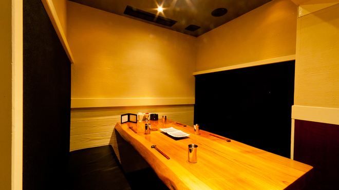 北新地 串柾 - 内観写真:≪人気に付きお早目のご予約を≫完全個室6名様まで大事な方とのお食事・接待で御利用下さい。