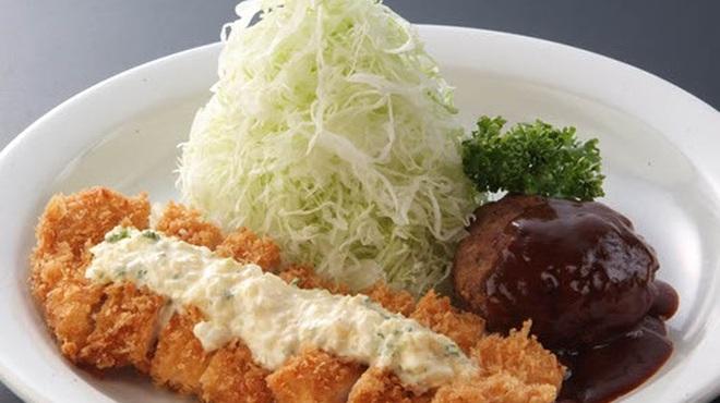 洋食亭 おおはし - 料理写真:《ハンバーグ&チキンカツタルタルソースがけ定食》 あっつあつのチキンカツに自家製タルタルをかけた極旨の一品♪