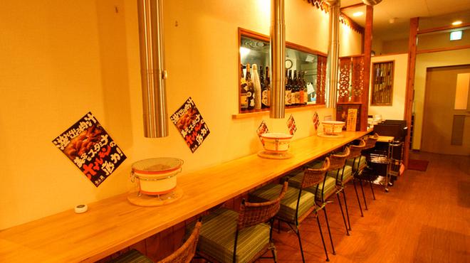 壱之蔵 - 内観写真:お一人やカップルでも楽しめるようカウンター席もご用意しています!