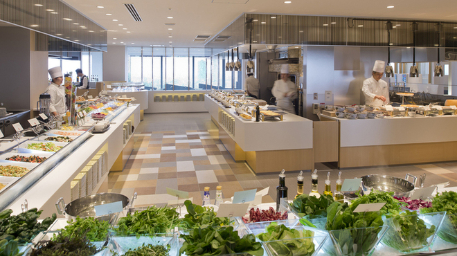武藏 - 内観写真:クッキングエリアは店内中央にございます。お好きなセッションでお料理をお取り下さい♪