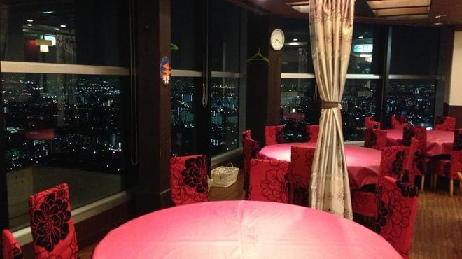 第一楼 - 内観写真:大阪都心の街並みを眺めながら・・・
