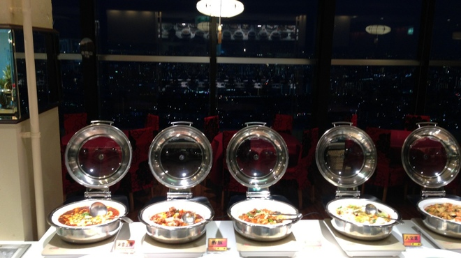 第一楼 - 料理写真:窓から見える夜景料理
