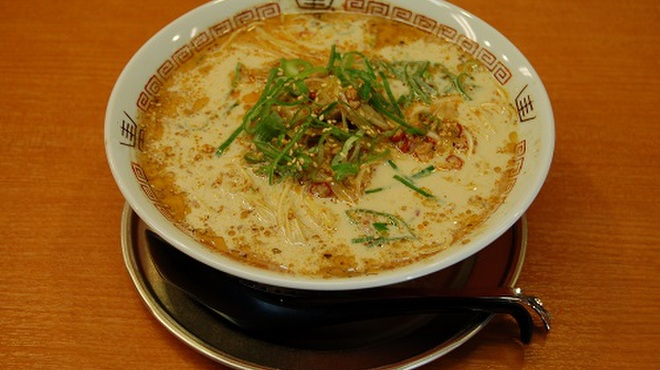 二十六代目 哲麺 - 料理写真:哲辛ラーメン[挽き肉と白髪ネギを唐辛子と特製タレであえた店長一押しラーメン]