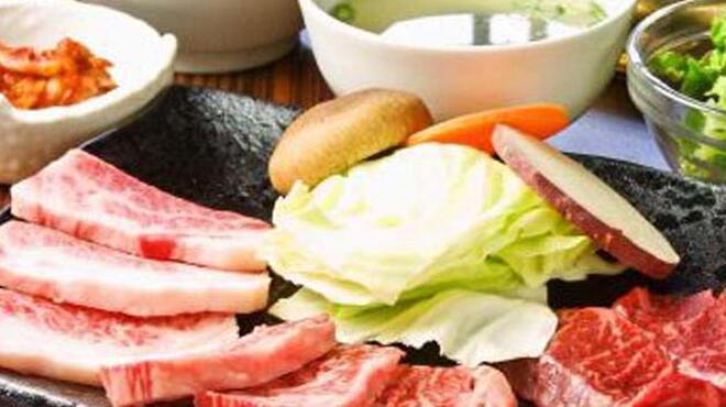 王道 - 料理写真:ガッツリごはん重視!な方には食べ放題コースがお得になる1000円OFFがオススメ♪いつでも気軽に焼肉を!